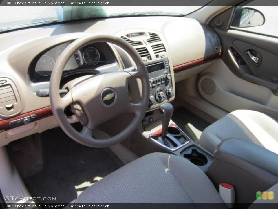 Cashmere Beige 2007 Chevrolet Malibu Interiors