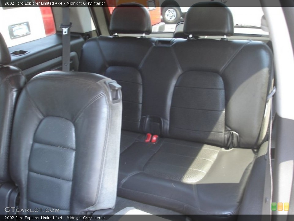 Midnight Grey Interior Photo for the 2002 Ford Explorer Limited 4x4 #52476344