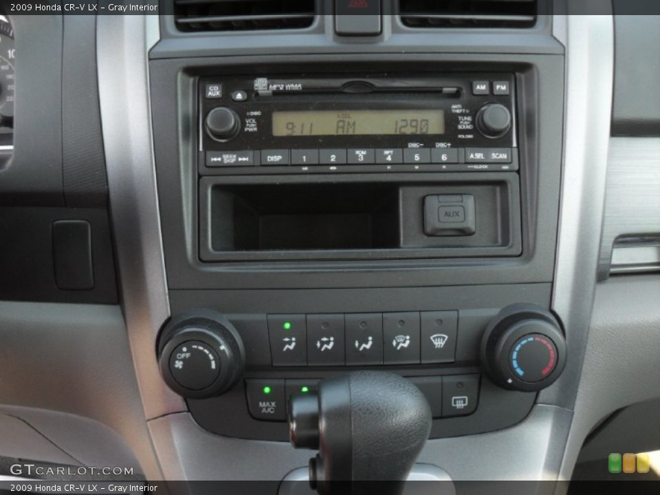 Gray Interior Controls for the 2009 Honda CR-V LX #52543791