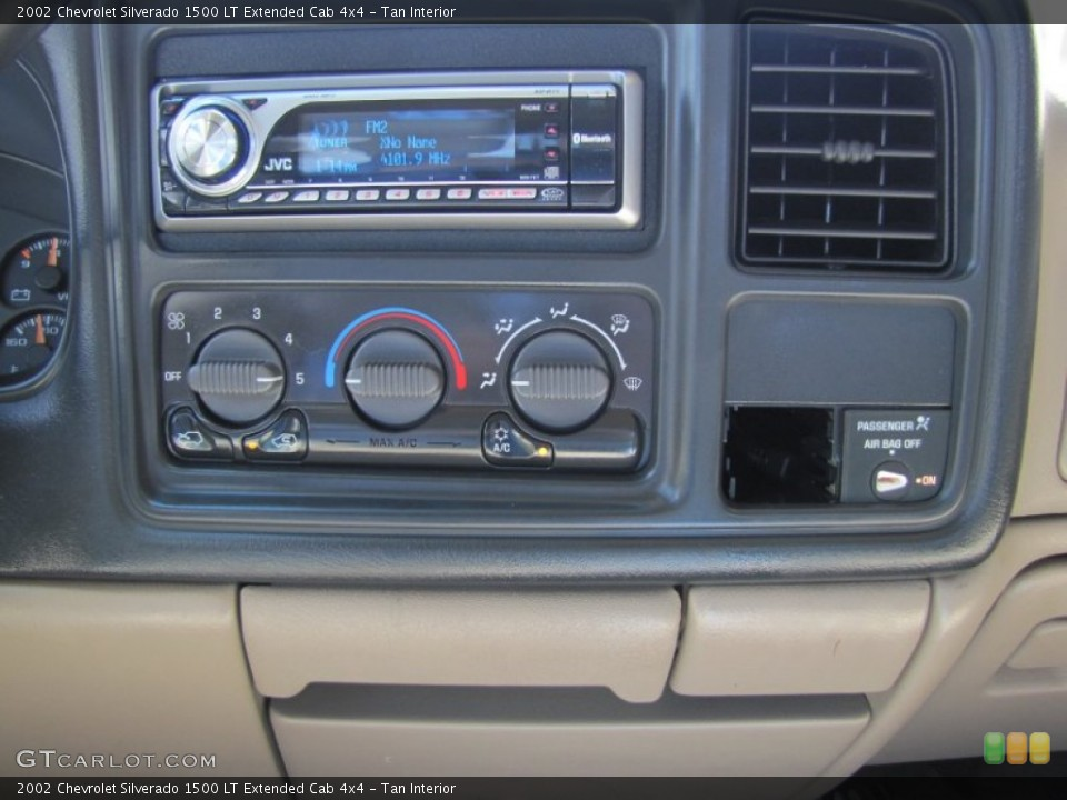 Tan Interior Audio System for the 2002 Chevrolet Silverado 1500 LT Extended Cab 4x4 #52936659