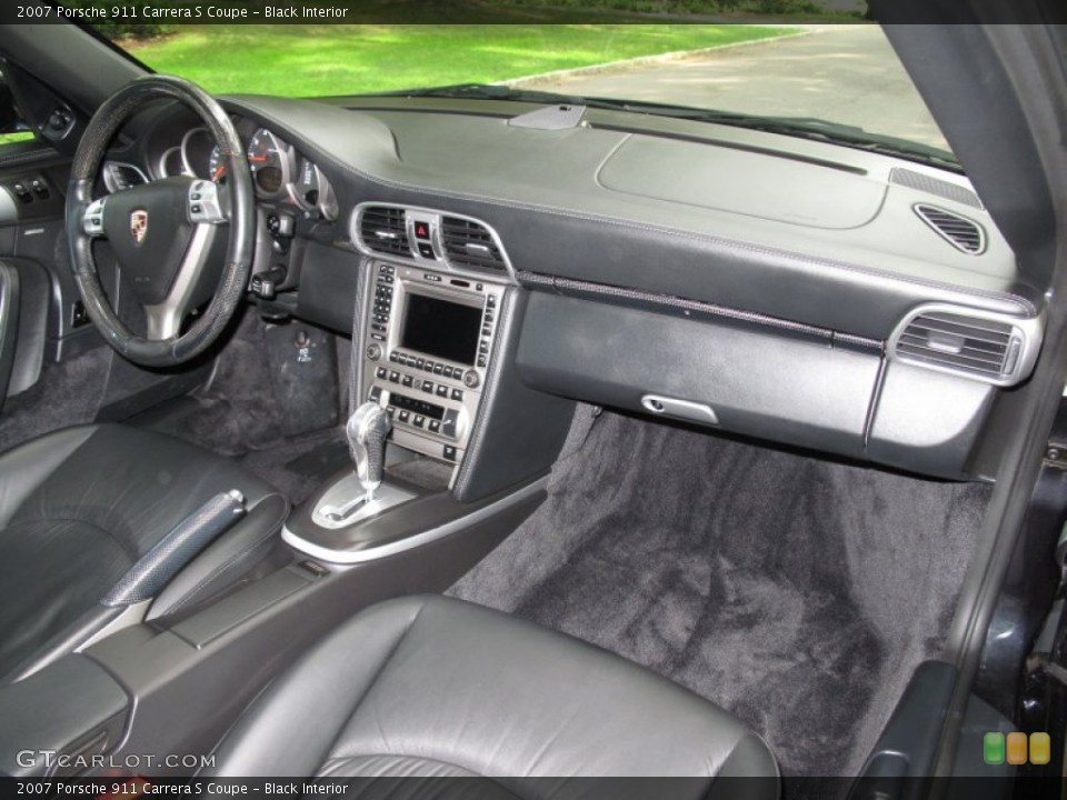Black Interior Dashboard for the 2007 Porsche 911 Carrera S Coupe #53633444