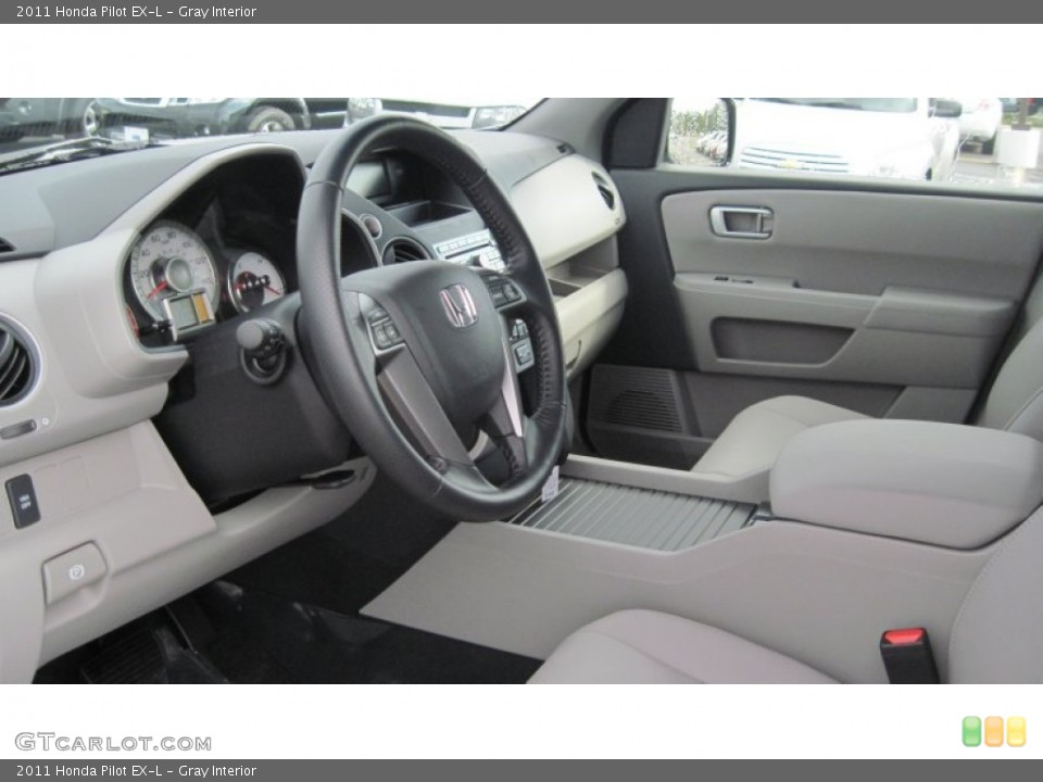 Gray Interior Photo for the 2011 Honda Pilot EX-L #54415819