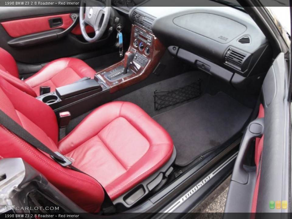 Red Interior Photo for the 1998 BMW Z3 2.8 Roadster #54715735