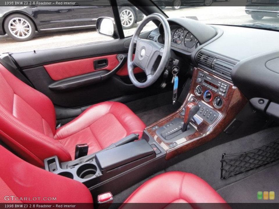 Red Interior Photo for the 1998 BMW Z3 2.8 Roadster #54715744