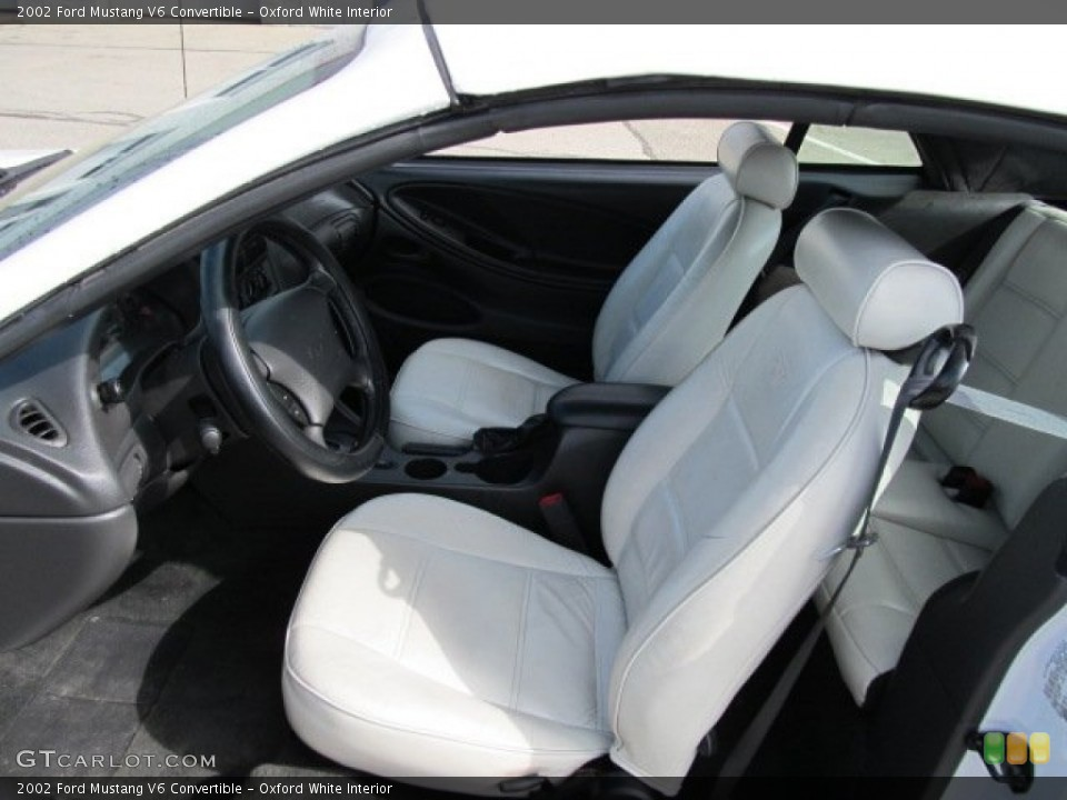 Oxford White 2002 Ford Mustang Interiors