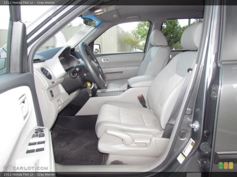 Gray Interior Photo for the 2011 Honda Pilot LX #55027518