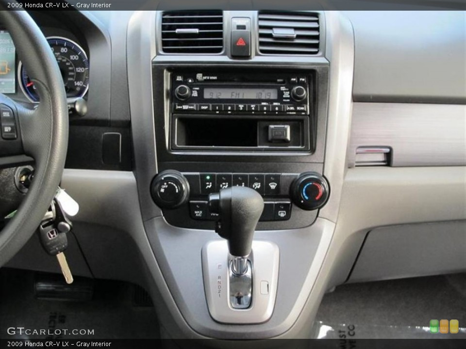 Gray Interior Controls for the 2009 Honda CR-V LX #55838846