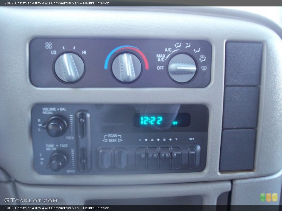 Neutral Interior Controls for the 2002 Chevrolet Astro AWD Commercial Van #56967920