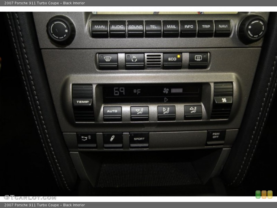 Black Interior Controls for the 2007 Porsche 911 Turbo Coupe #61461916