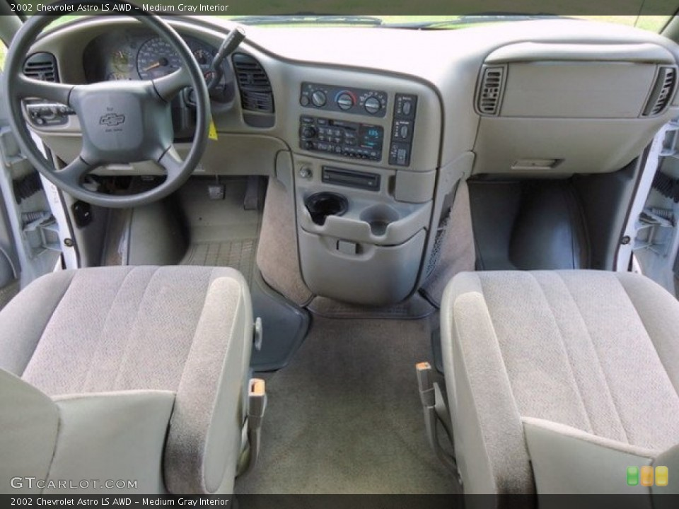 Medium Gray Interior Photo for the 2002 Chevrolet Astro LS AWD #62754637