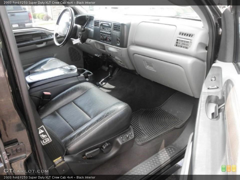 Black Interior Photo for the 2003 Ford F250 Super Duty XLT Crew Cab 4x4 #64373997
