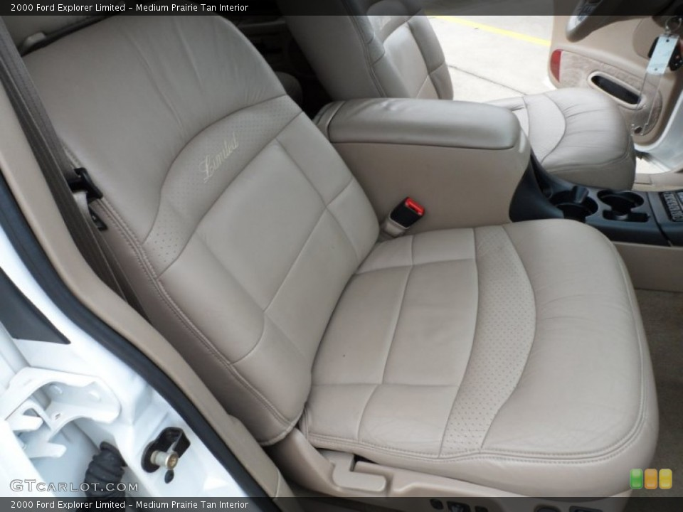 Medium Prairie Tan Interior Photo for the 2000 Ford Explorer Limited #65958113