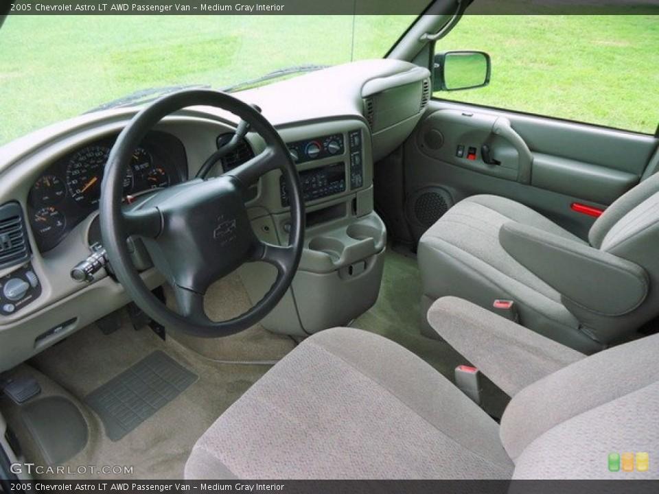 Medium Gray 2005 Chevrolet Astro Interiors