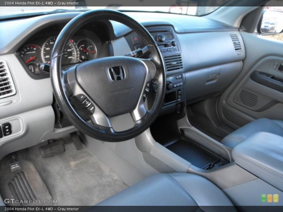 Gray Interior Photo for the 2004 Honda Pilot EX-L 4WD #66915925