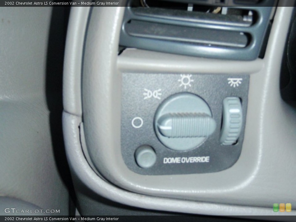 Medium Gray Interior Controls for the 2002 Chevrolet Astro LS Conversion Van #68507318