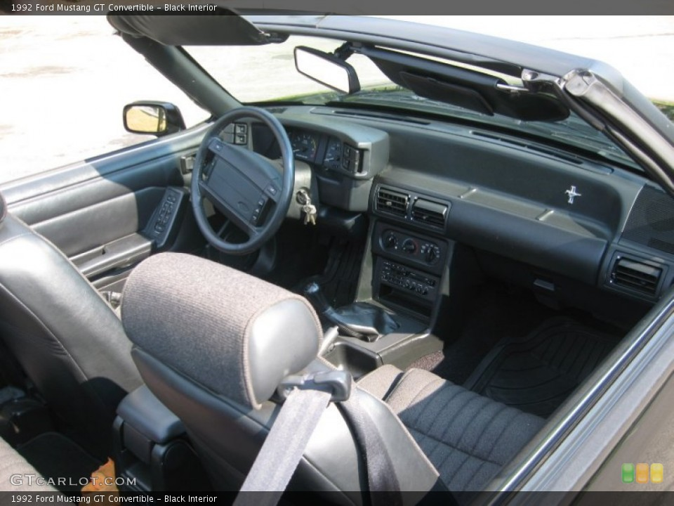 Black Interior Photo for the 1992 Ford Mustang GT Convertible #68693995