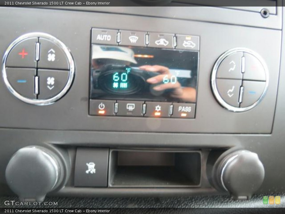 Ebony Interior Controls for the 2011 Chevrolet Silverado 1500 LT Crew Cab #69839422