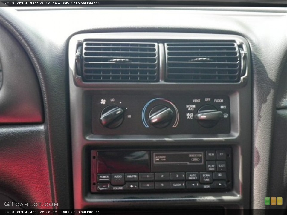 Dark Charcoal Interior Controls for the 2000 Ford Mustang V6 Coupe #70339996