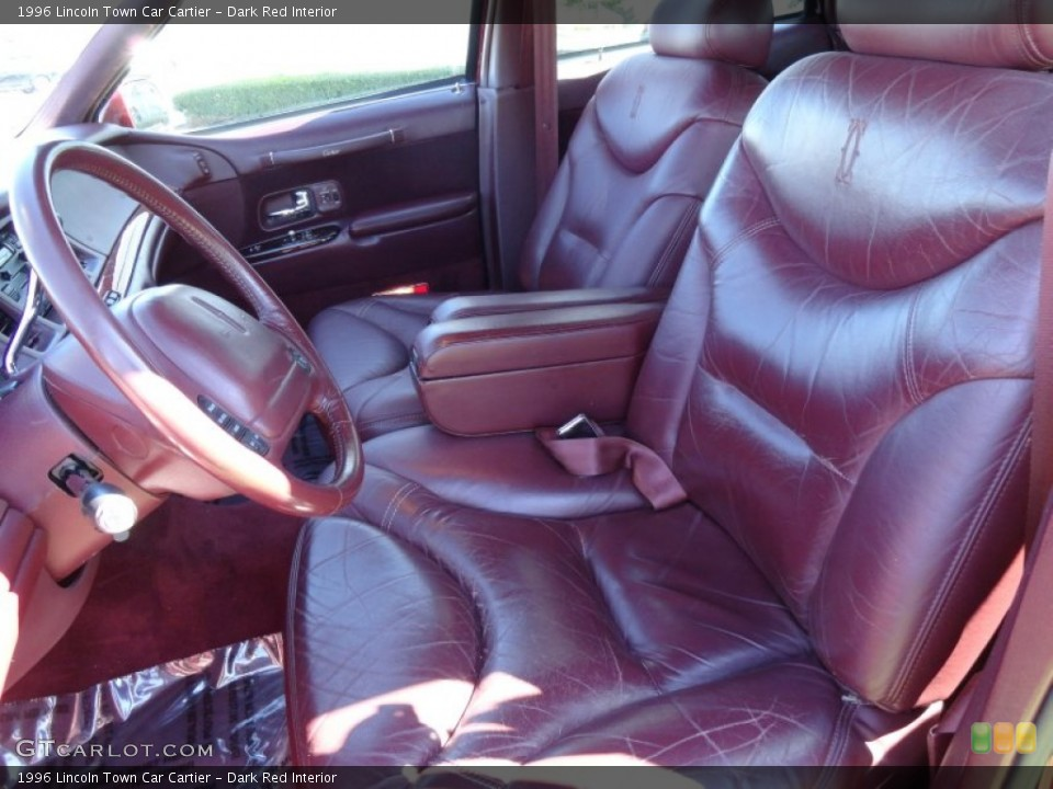 Dark Red Interior Photo for the 1996 Lincoln Town Car Cartier #70972933