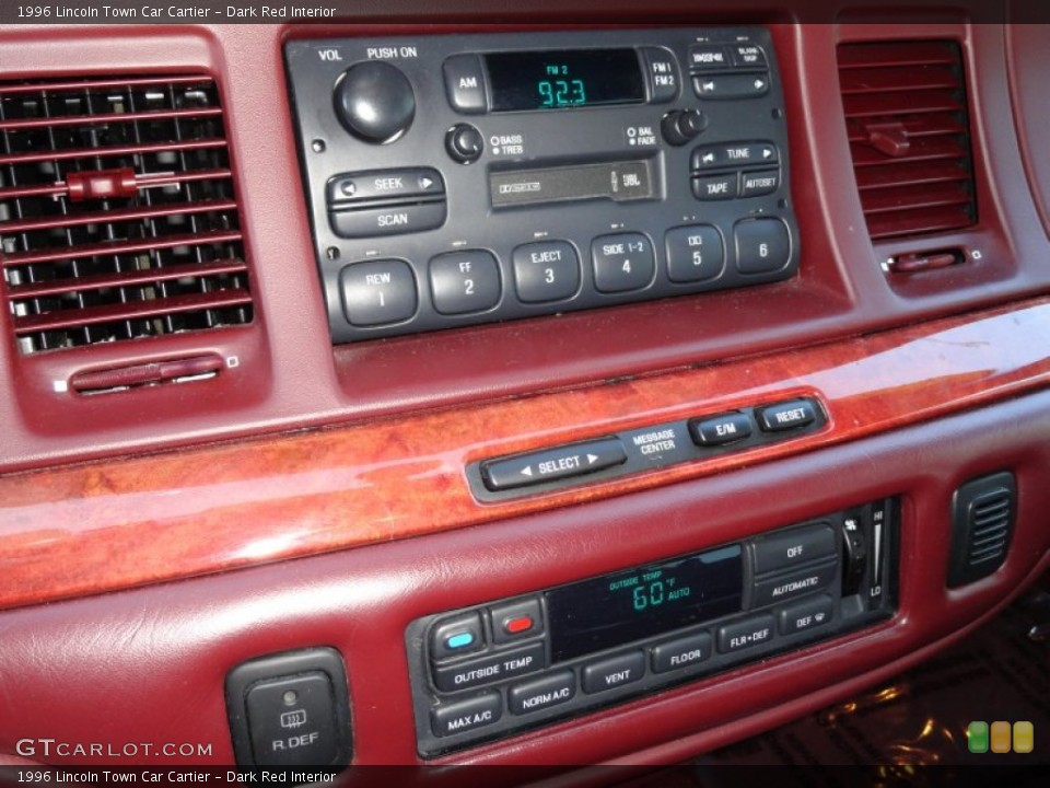 Dark Red Interior Audio System for the 1996 Lincoln Town Car Cartier #70973020