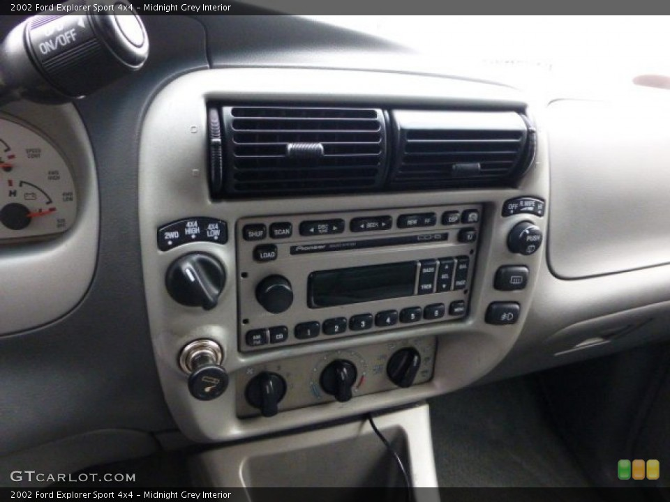 Midnight Grey Interior Controls for the 2002 Ford Explorer Sport 4x4 #71423812