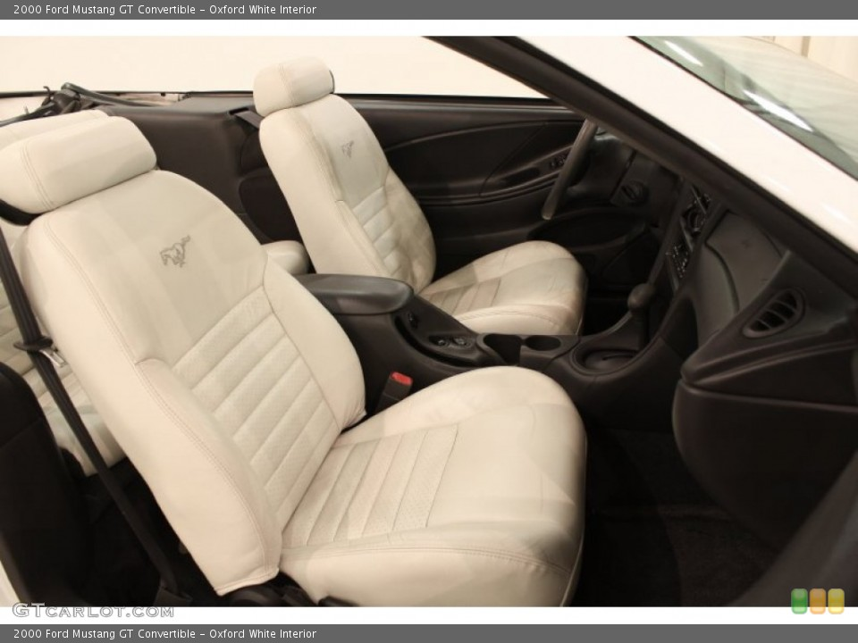 Oxford White 2000 Ford Mustang Interiors