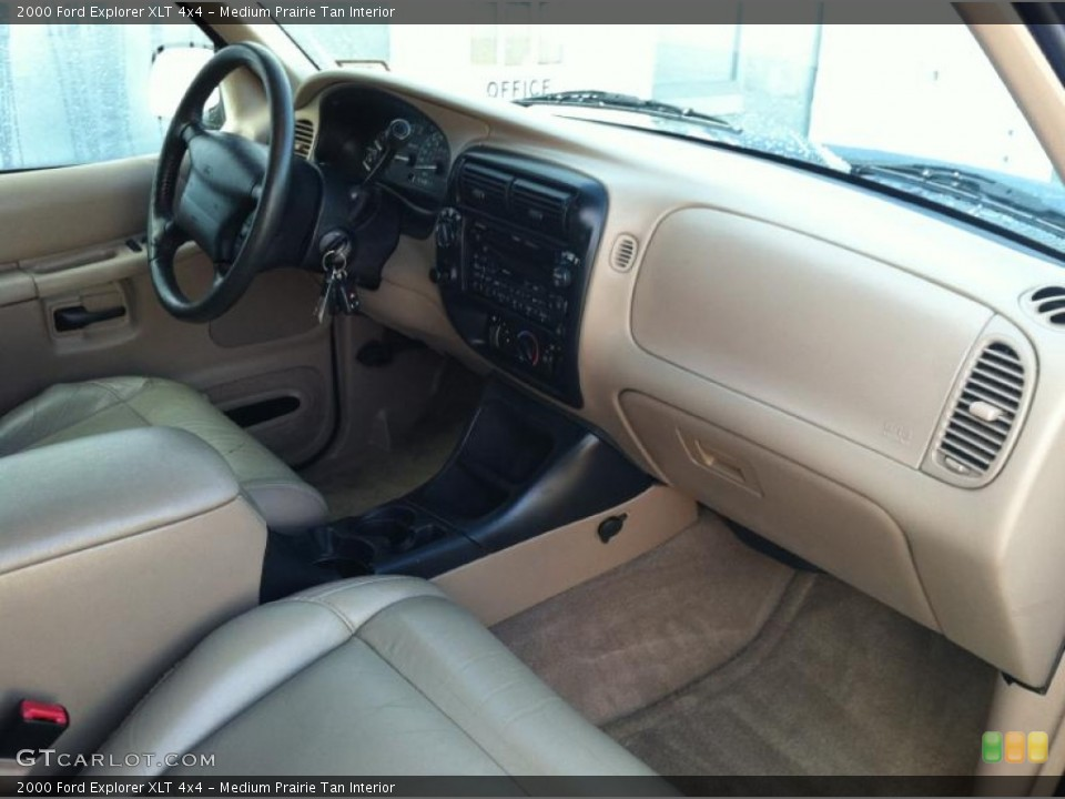 Medium Prairie Tan Interior Dashboard for the 2000 Ford Explorer XLT 4x4 #72592852