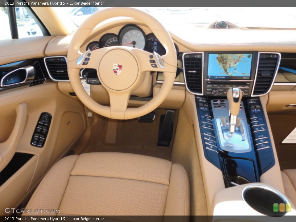 Prime Interior photos of the 2013 Porsche Panamera in Luxor Beige