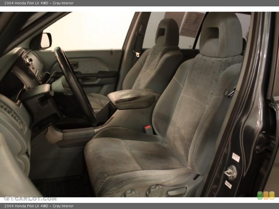 Gray Interior Photo for the 2004 Honda Pilot LX 4WD #75535668