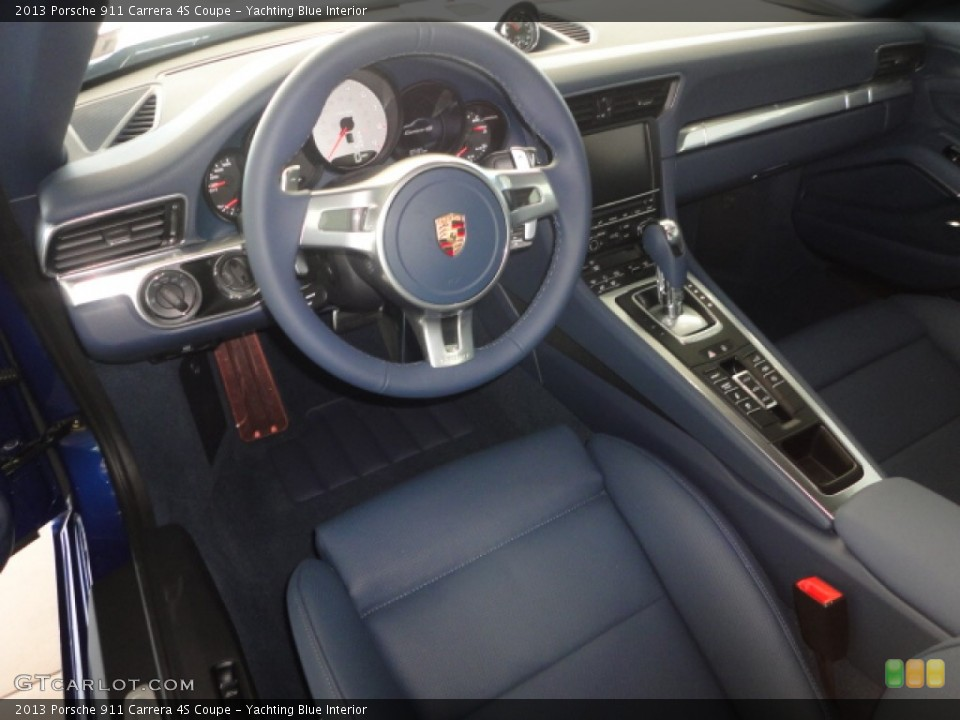 Yachting Blue Interior Dashboard for the 2013 Porsche 911