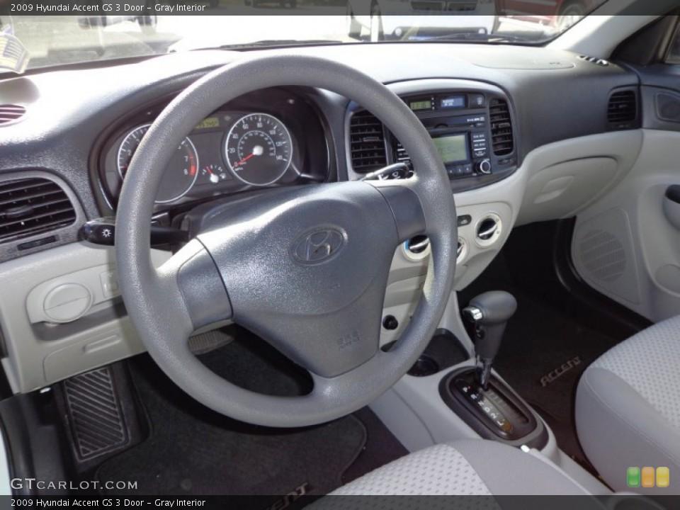 Gray 2009 Hyundai Accent Interiors