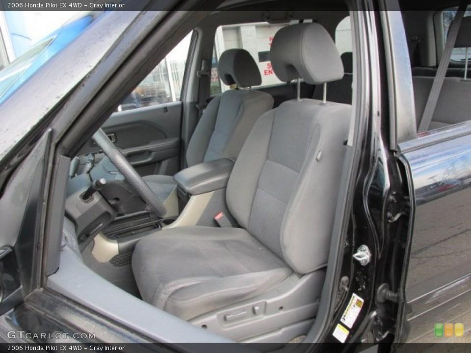 Gray Interior Photo for the 2006 Honda Pilot EX 4WD #77209317