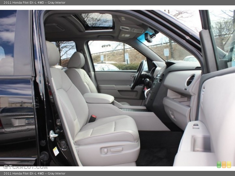 Gray Interior Photo for the 2011 Honda Pilot EX-L 4WD #77665986