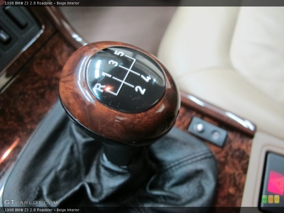 Beige Interior Transmission for the 1998 BMW Z3 2.8 Roadster #78475880