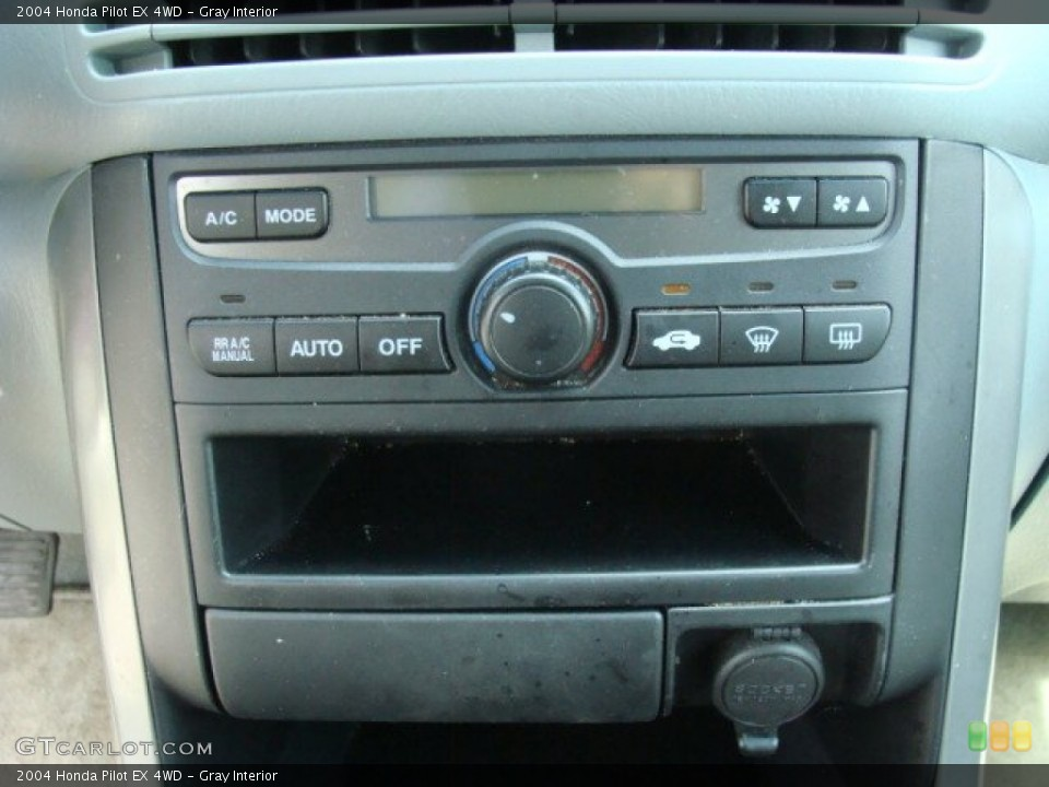 Gray Interior Controls for the 2004 Honda Pilot EX 4WD #79176512