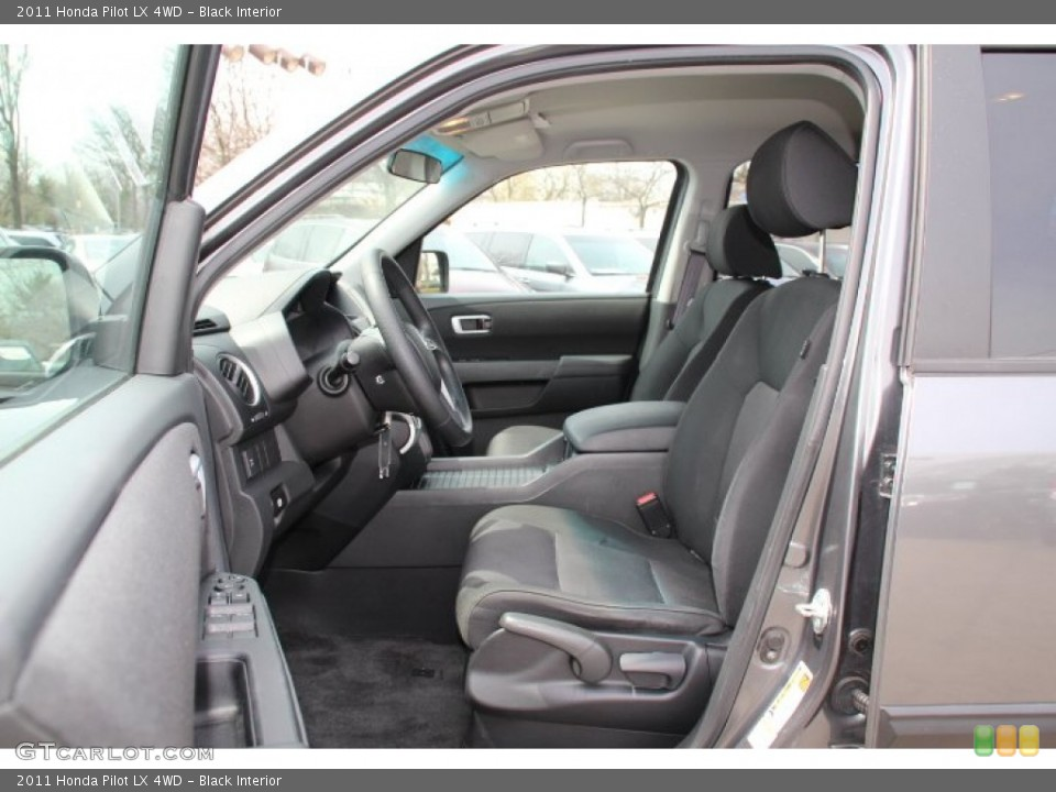 Black Interior Photo for the 2011 Honda Pilot LX 4WD #79737581