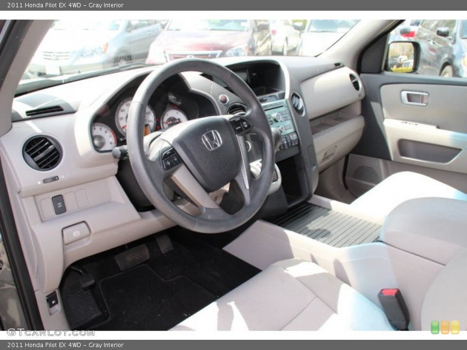 Gray Interior Photo for the 2011 Honda Pilot EX 4WD #80079897