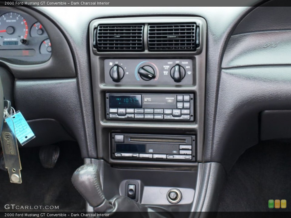 Dark Charcoal Interior Controls for the 2000 Ford Mustang GT Convertible #80768155