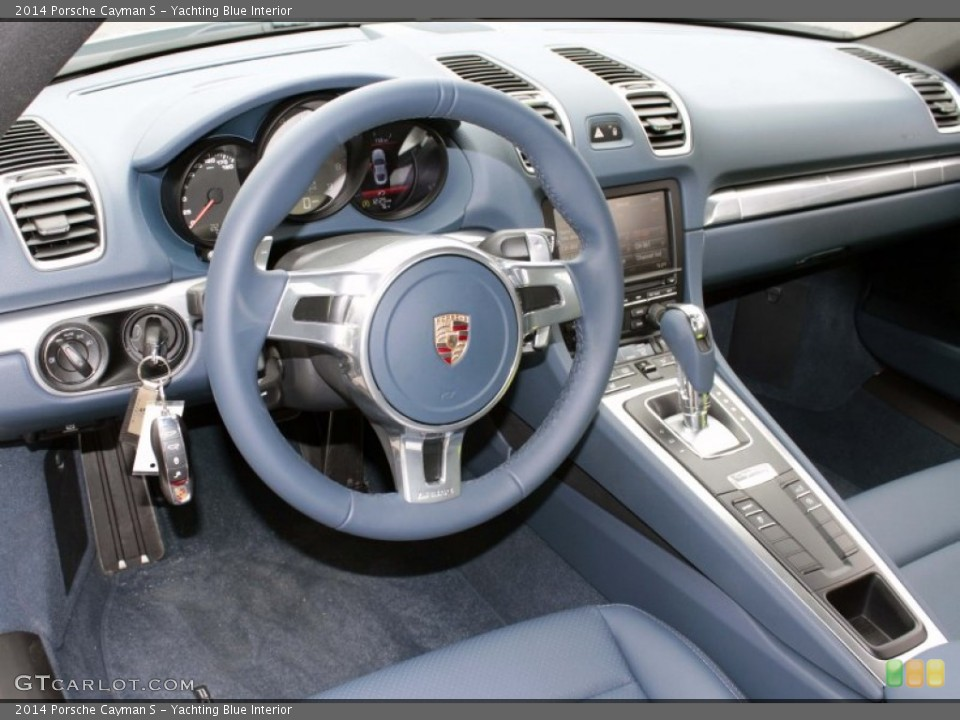 Yachting Blue Interior Dashboard for the 2014 Porsche Cayman