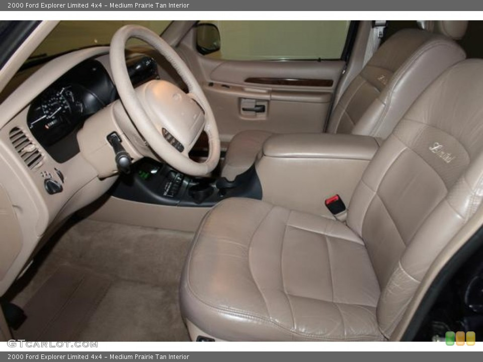 Medium Prairie Tan Interior Photo for the 2000 Ford Explorer Limited 4x4 #82544636