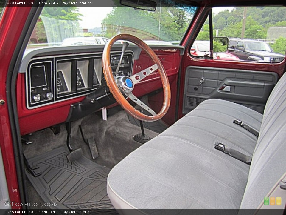 Prime interior photos of the 1978 ford f150 in gray cloth