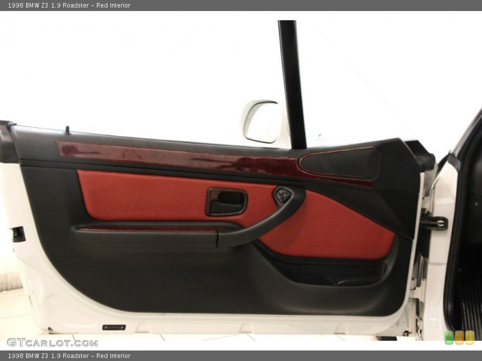 Red Interior Door Panel for the 1998 BMW Z3 1.9 Roadster #85897120