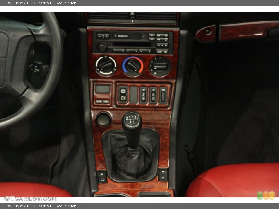 Red Interior Controls for the 1998 BMW Z3 1.9 Roadster #85897360