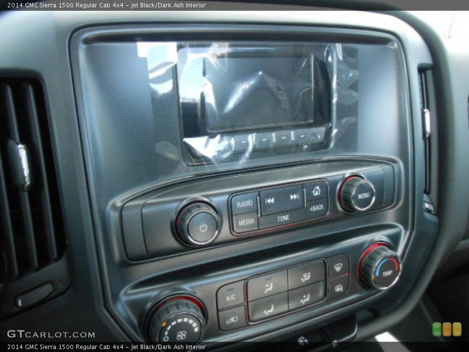 Jet Black/dark Ash Interior Controls For The 2014 Gmc Sierra 1500