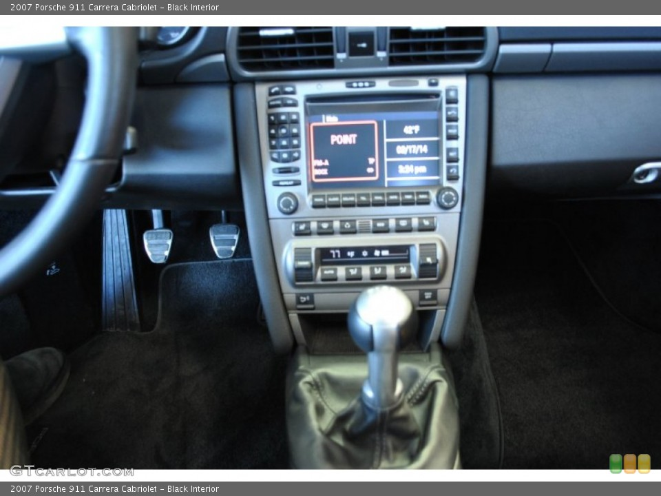 Black Interior Controls for the 2007 Porsche 911 Carrera Cabriolet #90738970