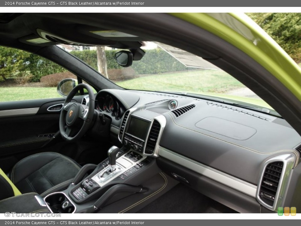 Gts Black Leather Alcantara W Peridot Interior Dashboard For The 2014 Porsche Cayenne Gts 92661362 Gtcarlot Com