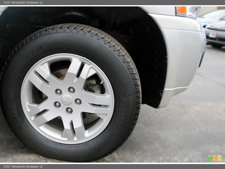 2007 Mitsubishi Endeavor Wheels and Tires