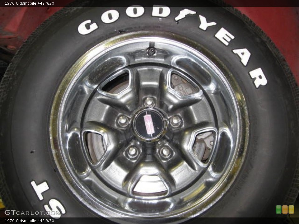1970 Oldsmobile 442 W30 Wheel and Tire Photo #68997691