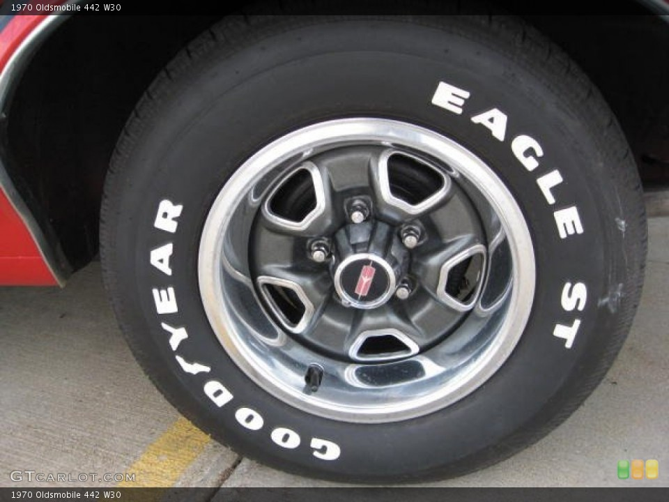 1970 Oldsmobile 442 W30 Wheel and Tire Photo #68998033