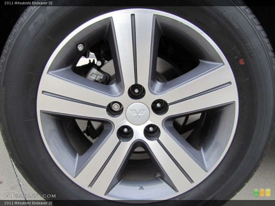 2011 Mitsubishi Endeavor SE Wheel and Tire Photo #73541460